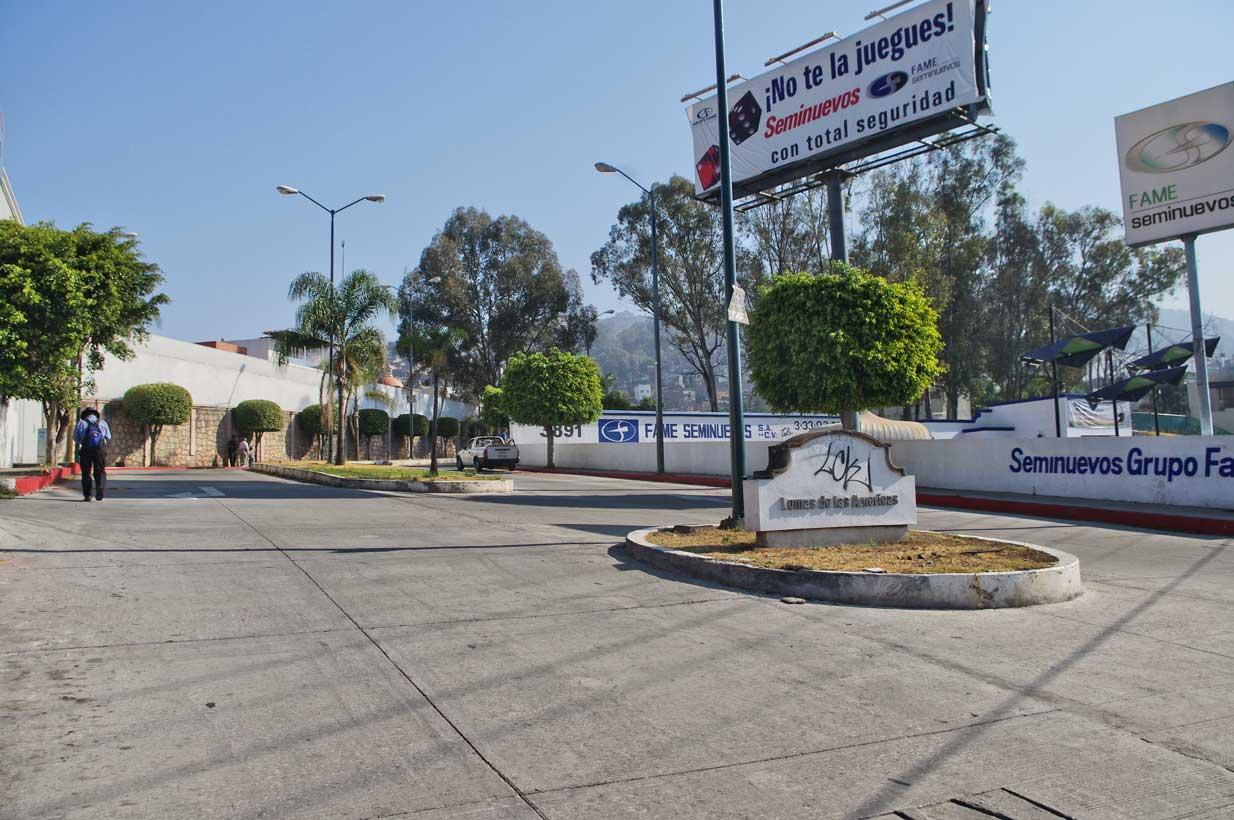 The entry to Lomas de Las Americas