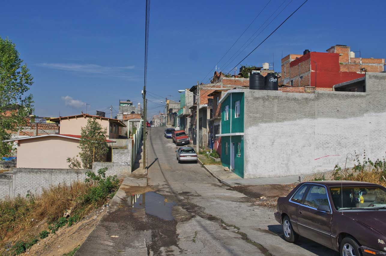 A typical street above the private developments of the Lomas
