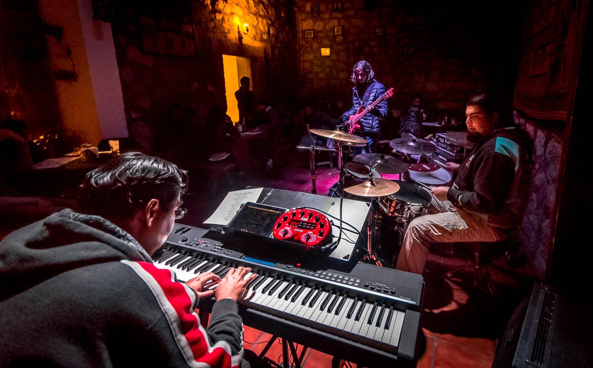 Jaltive - Giovanni Maldonado (Drums), César Maldonado (Piano), Ignacio Queirolo (Bass).