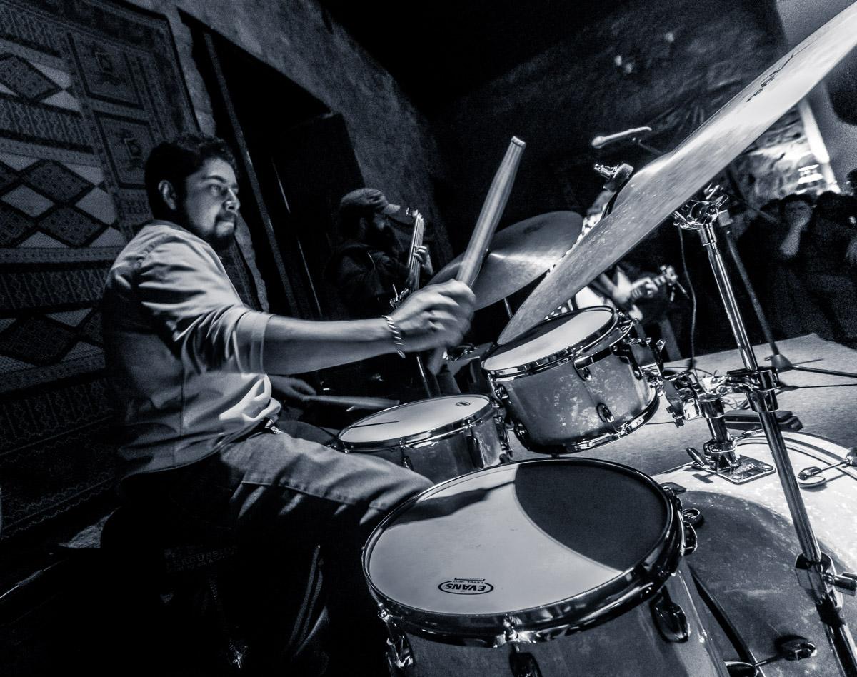 JC Cortes Band: Juan Carlos Cortes - guitarra, Irepan Rojas - trombon, Roger Vargas - bateria, Alvaro Garcia - bajo